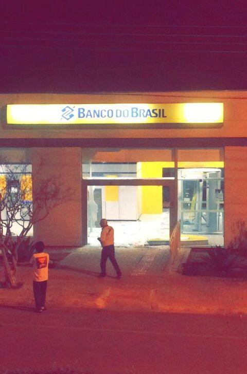 reserva-pr-banco-do-brasil-tem-cofre-roubado-10062015