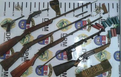 reserva-pr-armas-apreendidas-pela-pm-19022016